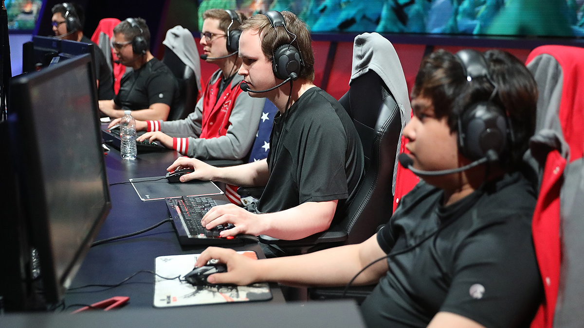 John Le, Marko Sosniki, Andrew Smith, Cody Altman, and Tony Chau of Maryville University compete on computers in the League of Legends College Championship Game