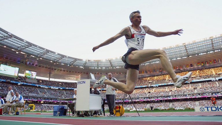 Jonathan Edwards of Great Britain in the men's triple jump final in the 9th IAAF World Athletics Championship in 2003