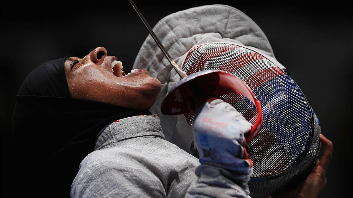 Fencer Ibtihaj Muhammed screaming
