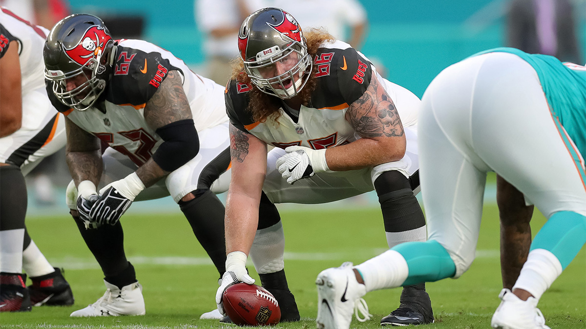 Tampa Bay Buccaneers center Ryan Jensen about to snap the ball