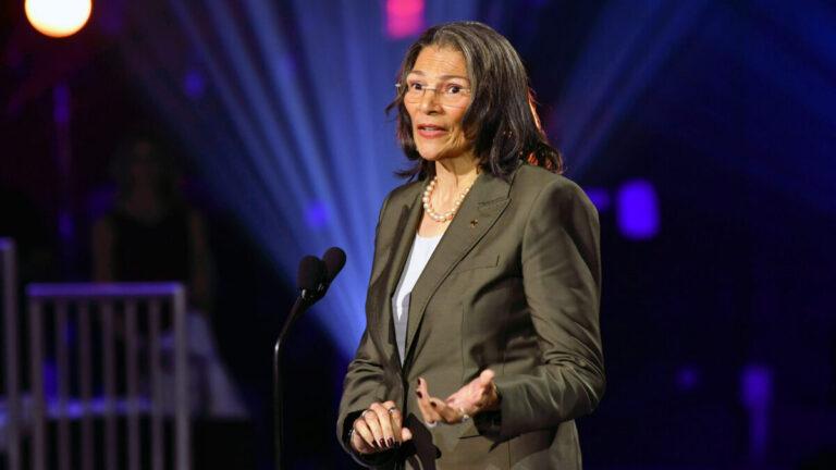Anita DeFrantz speaks about Rafer Johnson